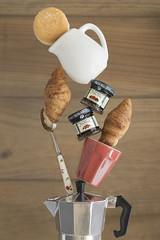 Morning Breakfast (MaríaJCM) Tags: equilibrio luzlateral cafe cenital desayuno madera