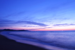 Twilight at the silent beach (Teruhide Tomori) Tags: water sky beach coast seashore shore kyoto tango yuhigaura landscape nature ocean japan japon sunset twilight sea 京都 京丹後 夕日が浦海岸 網野 amino トワイライト 日没 夕方 日本 砂浜 ビーチ 丹後半島