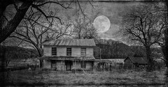 Haunted House with Full Moon (Bob G. Bell) Tags: hauntedhouse abandoned moon fullmoon halloween haunted ghosts westvirginia bobbell