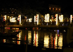 Thu Bon River at night (keiko*has) Tags: 7dwf crazytuesday reflection thubonriver night ベトナム ホイアン 夜景 川面 反映 vietnam hoian