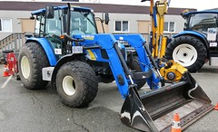 New Holland T5070 front-end loader (Custom_Cab) Tags: new holland t5070 t 5070 front end frontend loader tractor city of richmond bc british columbia canada