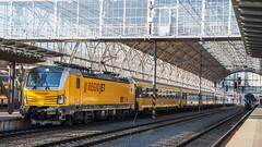 "193 214 mit RJ 1003 ""RegioJet"" in Praha hl.n"