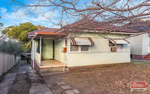 27 Gosling St, Greenacre NSW 2190