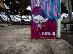 Be nice (katrin glaesmann) Tags: berlin teufelsberg flugüberwachungsundabhörstation flugsicherungsradarstation streetart wallart fieldstationberlinteufelsberg nsa