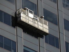 Window Cleaning on The Black Stump (RS 1990) Tags: adelaide southaustralia friday 30th june 2017 grenfellst blackstump building windowcleanerslift