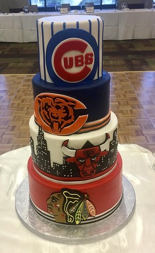 Chicago Sports Team Wedding Cake 300792