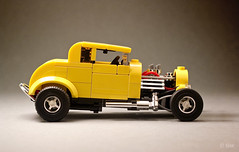 Milner's '32 Ford Coupe _03 (_Tiler) Tags: lego car vehicle ford coupe deuce americangraffiti milner johnmilner georgelucas 32forddeuce yellowdeuce 32fordcoupe 1932fordcoupe hotrod