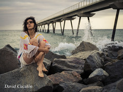 Waiting (David Cucalón) Tags: david cucalon woman portrait retrato mujer playa coast rocks rocas beach wave sunset puestadesol
