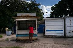 Cuba - Avenida 13 (In.Deo) Tags: cuba havana street malecón tunnel calle avenida stall