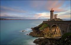 Bretagne (jeanny mueller) Tags: bretagne frankreich france breizh pharedupetitminou phare lighthouse leuchtturm crozon landscape sea seascape sunrise sunset light coast clouds küste