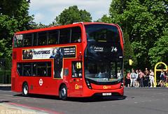 DSC_5886w (Sou'wester) Tags: bus buses publictransport psv london londontransport lt lrt tfl hydeparkcorner route74