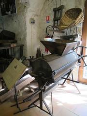 Décortiqueuse de châtaignes - Musée des Vallées Cévenoles, Saint-Jean-du-Gard (30) (Yvette G.) Tags: gr34 randonnée stevenson robertlouisstevenson musée muséedesvalléescévenoles saintjeandugard gard 30 chemindestevenson