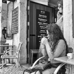 What else !!! (Des.Nam) Tags: street girl cigarette nb fujixpro2 bw carré square streetphotography desnam