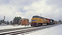 This is April? Yes! (craigsanders429) Tags: unionpacificmotivepower csx csxtrains bereaohio bereatower berea csxinbereaohio unionpacific5633 winter snowandice winterontherailroad winterandrailroads snow southernpacific betower