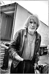No Title Here (Steve Lundqvist) Tags: shot old man poor walking elderly aged age people povertà poverty bw blackandwhite monochrome street londoner londoners londinesi londra england inghilterra uk kingdom united portrait streetphotography shooting snap charity beg panhandle begging change changes small penny money pound homeless hobo clochard