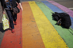 Over the Rainbow (Monty May (OBSERVE)) Tags: maastricht netherlands street streephotography humour