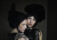 Caro and Anna (valerio magini ph) Tags: portraits models fashion blueeyes eyes woman hands hats dress