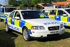 South Yorkshire Police Volvo S60 T5 Roads Policing Unit Traffic Car (Preserved) (PFB-999) Tags: south yorkshire police syp preserved volvo s60 t5 roads policing unit rpu traffic car vehicle lightbar grilles fendoffs leds yn58gmx rescue day 2017