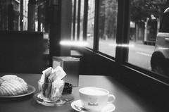 (A.K Photographiti) Tags: expired film ilfosol3 19 ilford hp5 400 riva del garda bianco e nero blackwhite czarno biale bar coffee caffè croissant cornetto kaffee breakfast colazione