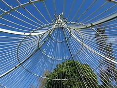 Gloriette (cristoflenoir) Tags: fer gloriette jardin parc pergola