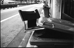 The end of the road - Chairs story (waex99) Tags: 400s leica retro rollei singapore everton film lugs m4 street object stilllife chair bin chaise poubelle nature morte