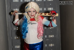 IMG_9612.jpg (Neil Keogh Photography) Tags: gloves tattoos manchestercentral belt gun red trainers manchester gold goodnight boots bracelets pigtails cosplayphotoshoot fishnettights femaledccomics spikes steps mallet cosplayer hotpants top suicidesquad black blue builds harleyquinn salfordcomiccon2017 white