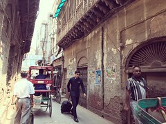 Passengers Please Note the Flight to Lower Manhattan Will Now Depart from Old Delhi (Mayank Austen Soofi) Tags: delhi walla passengers please note flight lower manhattan will now depart from old street air steward airline airport
