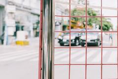 Secured (lorenzoviolone) Tags: dof finepix fuji x100s fujifilm rni films traffic bokeh crosswalk depth field fence fp 100c mirrorless pole prisoner streetphoto streetphotocolor streetphotography travel:southeastasia=2017 tuk fujix100s fujifilmx100s rnifilms depthoffield fujifp100c tuktuk phnompenh cambodia