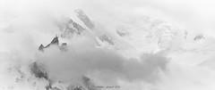 Voile de Traîne 2/2 (Frédéric Fossard) Tags: noiretblanc grain texture art abstrait surréaliste glacier panorama montagne paysage cimes hautemontagne alpes hautesavoie massifdumontblanc chamonix aiguilledumidi nuage brume brouillard tourmente