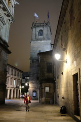 FXT15779 (Enrique G Romero) Tags: santiagodecompostela galicia spain noche night nocturna fujitx1 fujinon23mmf2 rua do franco torre fonseca