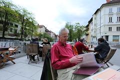 2017-05-11 19-33-43 - IMG_8654 (rudolf.brinkmoeller) Tags: wandern slowenien ljubljana hribarjevonabrezje ljubljanica pizzeria ljubljanskidvor