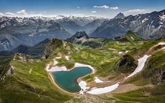 Au coeur de la vallée d'Aspe. (SweeP_64) Tags: paysage montagne mountain landscape vallée daspe randonnée trek pic montagnon iseye