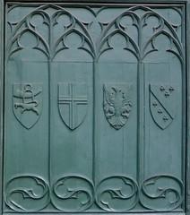 behind the green door (1) (canecrabe) Tags: héraldique portail église vert saintlaurent couvent lepuyenvelay hauteloire