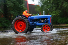 IMG_0458 (Yorkshire Pics) Tags: 1006 10062017 10thjune 10thjune2017 newbyhalltractorfestival ripon marchofthetractors marchofthetractors2017 ford fordcrossing river rivercrossing tractor tractors farmingequipment farmmachinery agriculture yorkshire northyorkshire
