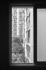 182/365 (Daegeon Shin) Tags: nikon d750 nikkor 28mmf20 windows ventana beyondthewindows 창너머로 bw 365 apartamento apartment mf manualfocus 니콘 니콘렌즈 창 창문 아파트 수동 수동렌즈 흑백 jinju corea korea 진주 경남