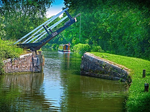 Bridge 219, Oxford Canal