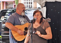Pete & Caroline (dlanor smada) Tags: openmic singers guitarists beards aylesbury bucks