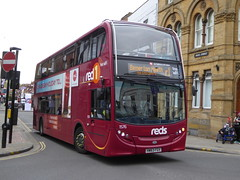 Salisbury Reds 1576 HW63 FGV on r1, High St, Salisbury (sambuses) Tags: gosouthcoast salisburyreds 1576 hw63fgv