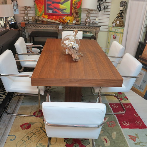 Upscale Furniture Consignment Gallery where high end  vintage