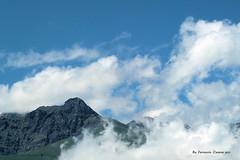 Volare (Premere L per vedere meglio) (Ferruccio Zanone) Tags: monte mucrone oropa biella vetta nuvole cielo volare modugno