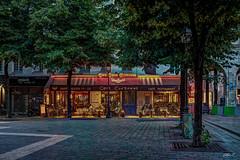 Café Cœur Couronné - Paris - HDR (gilles_t75) Tags: d7200 france gillest hdr nikkor1024mmf3545 nikon bracketing exposurefusion highdynamicrange photohdr photomatix tonemapping îledefrance parisi 75001 paris75 café coeurcouronné bar terrasse restaurant happyhour parisbynight