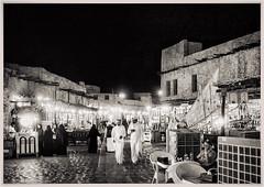 Night at the market (Paco CT) Tags: gente mercado nightshot nocturna people market doha qatar qa outdoor bw bn pacoct 2017