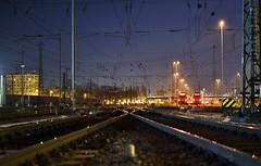 DSC_0283 (DW BahnDesign) Tags: mannheim nacht night gleis track rail zug züge db tren treni trein treinen dwbahndesign urban urbanity urbanität schienen licht light nikon train trains railway dbnetze dbnetz