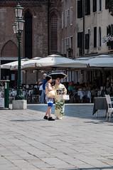 tourists in venice (dasu_) Tags: italien orte personen street venedig nikon nikond90 venice tourist kimono