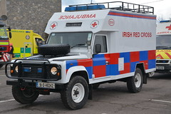 Irish Red Cross 1991 Landrover Defender Locomotors Ambulance 91D48242 (Shane Casey CK25) Tags: irish red cross 1991 landrover defender locomotors ambulance 91d48242 icr volunteer medical emergency patient paramedic emt technician blue bluelights lights siren sirens flash flashing van battenberg