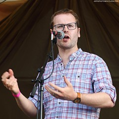 Sean Cooney of The Young'uns (Jeff G Photo - 3m+ views - jeffgphoto@outlook.c) Tags: theyounguns seancooney michaelhughes barking barkingfolkfestival summeroffestivals folk music