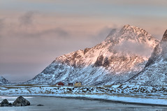 The end of another day (Joost10000) Tags: lofoten norway norge snow ice europe beach atlantic wild wilderness mountain house scenic nature natur beauty sea sky outdoors island arctic canon canon5d clouds nordland rugged flakstadoya seaside dramatic cold winter vareid
