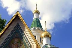 Iglesia rusa (Sofia) (alfonsocarlospalencia) Tags: iglesia rusa sofia bulgaria religión ortodoxa cúpulas dorado verde coro nubes cruces icono ángulos viaje arte