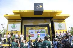 Tour de France 2017 (equipecyclistefdj) Tags: cyclisme tourdefrance2017 2017 competition tdf2017 etape06 podium ambiancevillagedarrivee media invite fdj leaderpoints national france