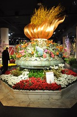 4-030 Liberty Torch (megatti) Tags: chicago departmentstore flowershow il illinois macys marshallfields statueofliberty